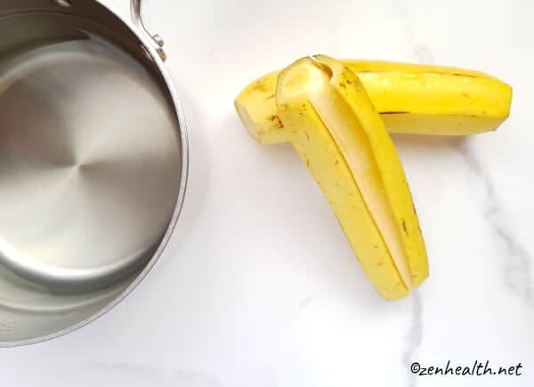Peeling plantains for boiling