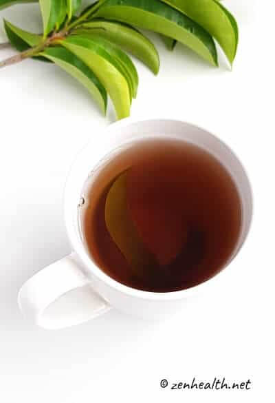 Soursop tea with leaves